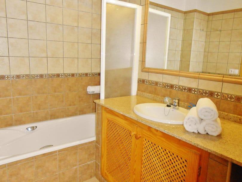 Bathroom orange at Opale's Yoga retreat Ibiza