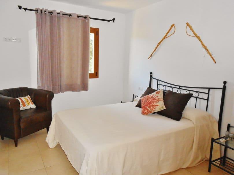 Single room at Opales Yoga retreat Sea view Ecohouse Ibiza