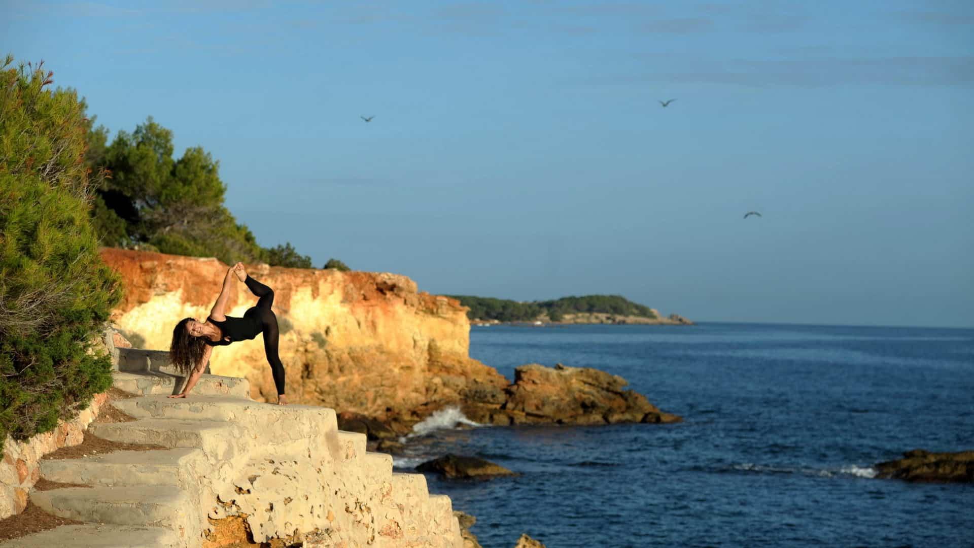 Opale in ardha candracapasana Vinyasa Yoga by the sea Vinyasa Yoga Ibiza