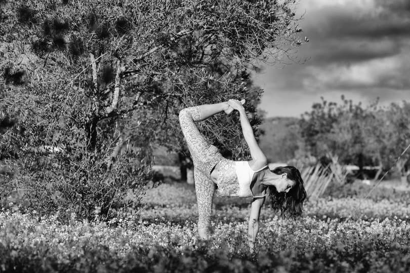 Opale in ardha candracapasana in Ibiza black white by Gato Suarez