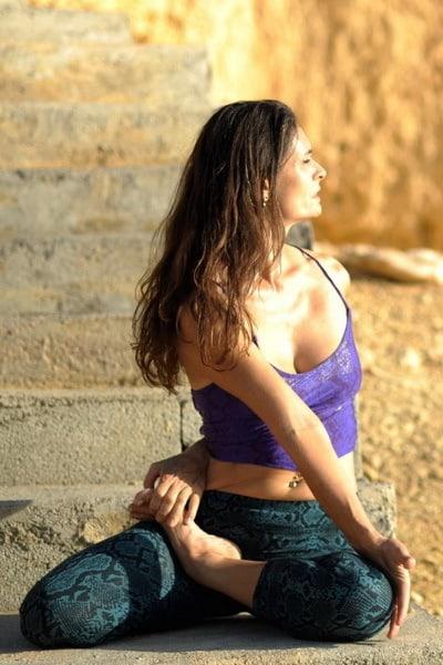 Opale in bharadvajasana 2 Hatha Yoga Ibiza