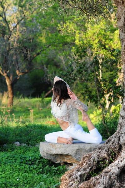 Opale in eka pada rajakapotasana 1 preparation Hatha Yoga Ibiza