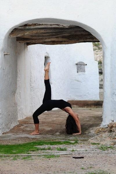 Opale in eka pada urdhva dhanurasan Ashtanga Yoga Ibiza