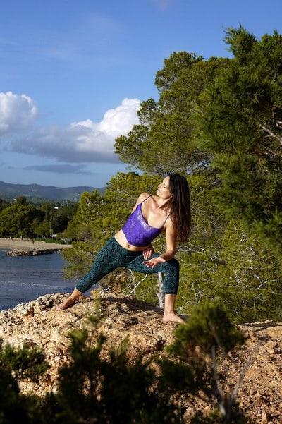 Opale in parsvakonasana preparation Vinyasa Yoga Ibiza