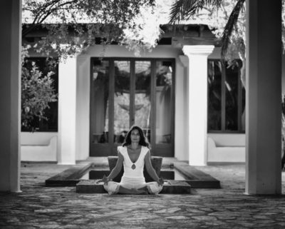 Opale in siddhasana in Ibiza black white by Gato Suarez