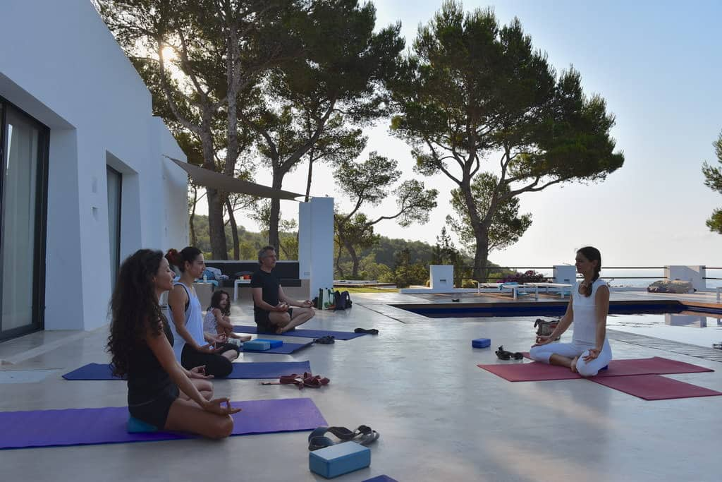 Private Yoga lesson for family in Ibiza with Opale